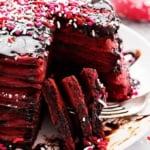 Nutella Stuffed Red Velvet Pancakes | Creme de la Crumb
