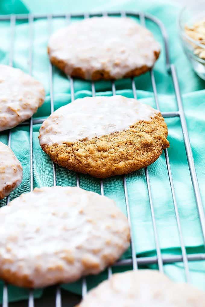 Iced Oatmeal Cookies | Creme De La Crumb