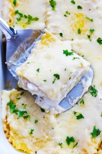 Slow Cooker Three Cheese Chicken Lasagna | Creme de la Crumb