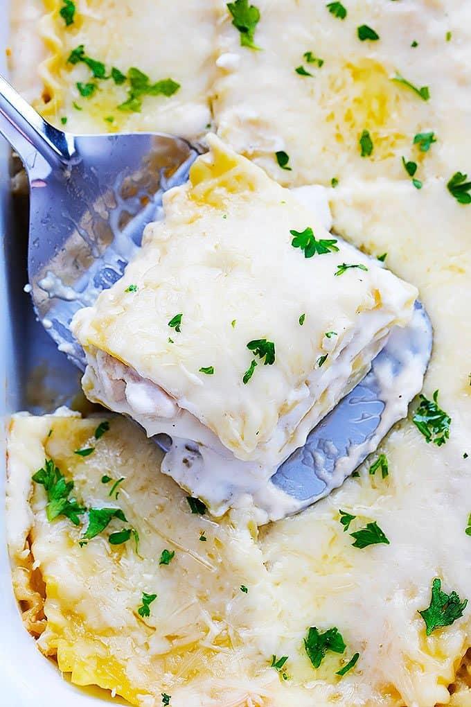 Slow Cooker Three Cheese Chicken Lasagna | Creme de la Crumb