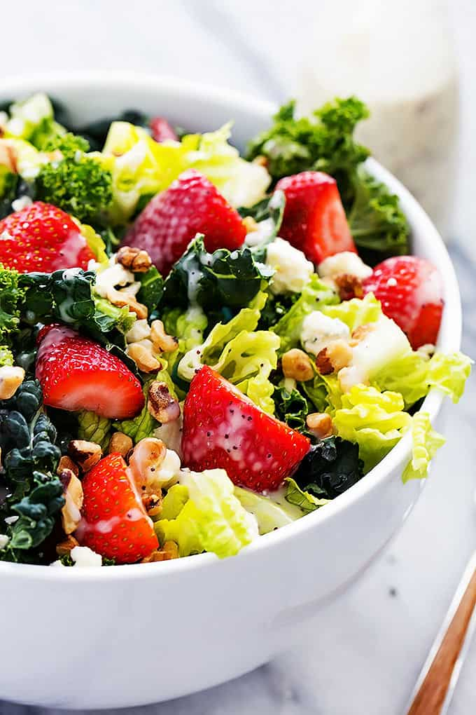 Strawberry Poppyseed & Chopped Kale Salad | Creme de la Crumb