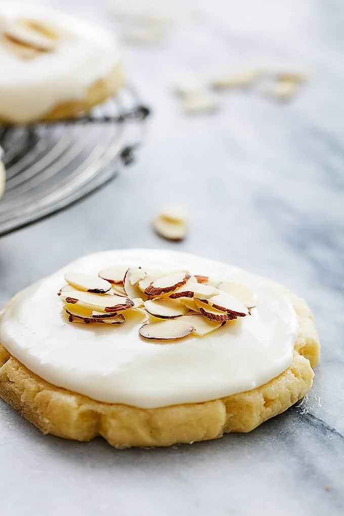 Almond Sugar Cookies (+ video) | Creme De La Crumb