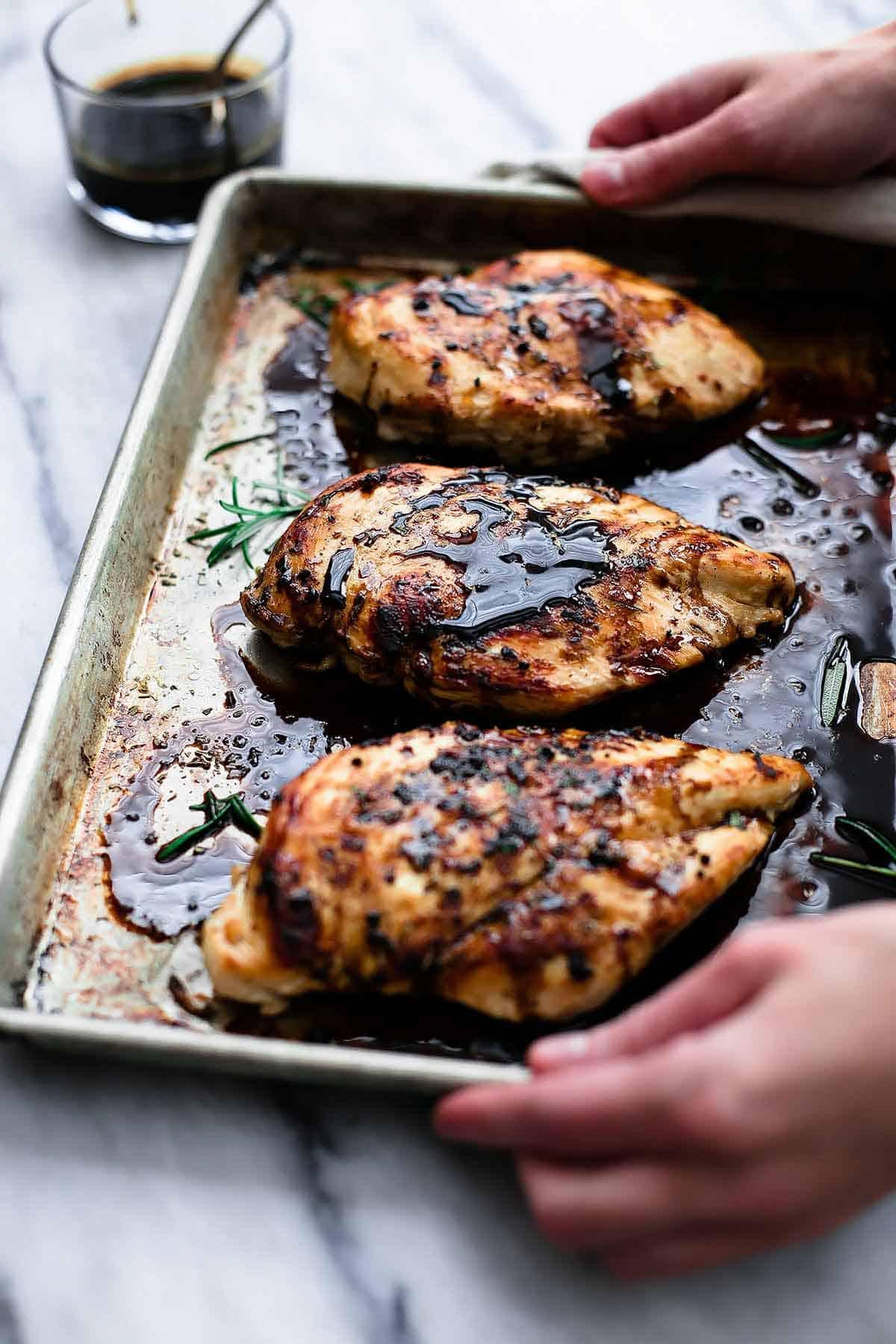 Baked Balsamic Chicken | Creme de la Crumb