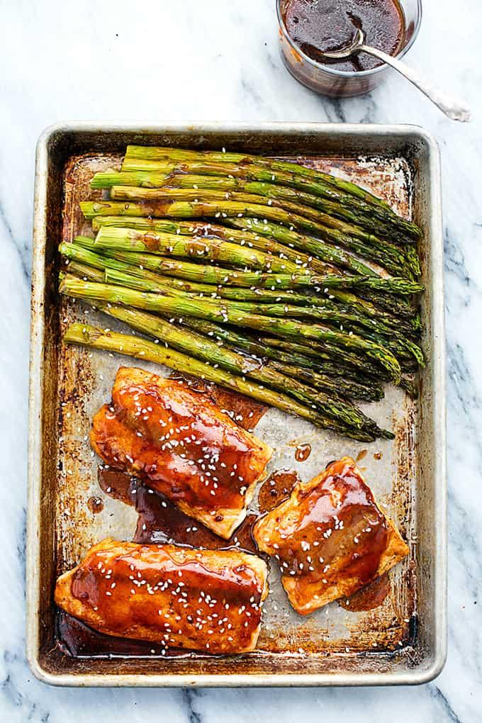 Baked Sesame Glazed Salmon and Asparagus | Creme de la Crumb