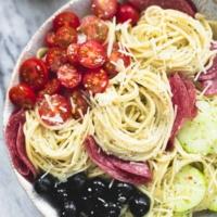 Creamy Italian Spaghetti Pasta Salad | Creme de la Crumb