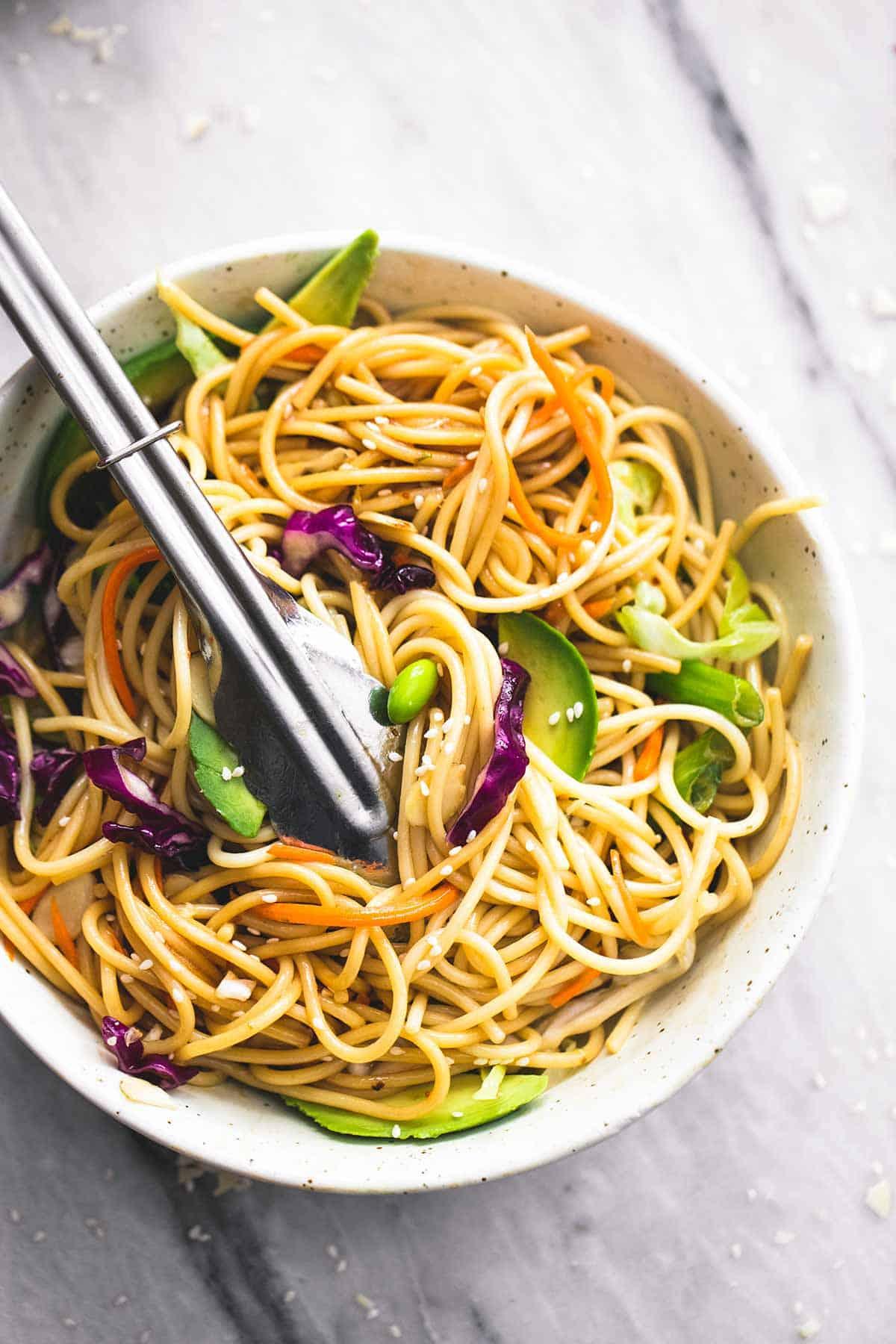 Asian Spaghetti Salad with Sesame Ginger Dressing | lecremedelacrumb.com