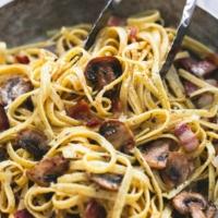 Parmesan Bacon Mushroom Fettuccine   lecremedelacrumb.com