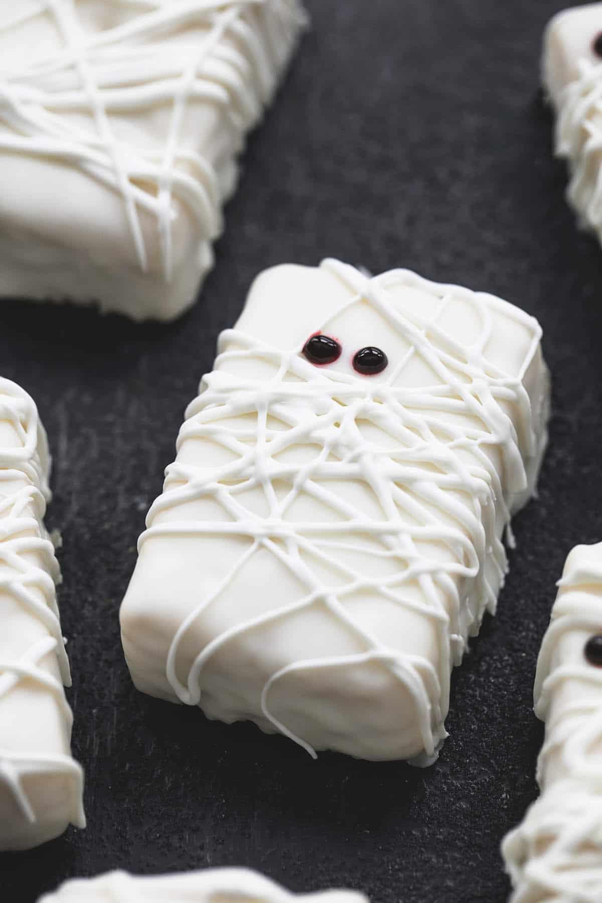3 Ingredient Rice Krispie Treat Mummies