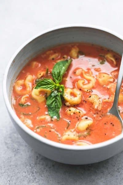 Slow Cooker Tomato Basil Tortellini Soup | lecremedelacrumb.com