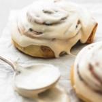 Best Cinnamon Roll Icing | lecremedelacrumb.com