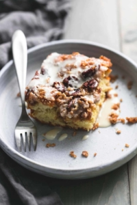 Cinnamon Pecan Coffee Cake | lecremedelacrumb.com