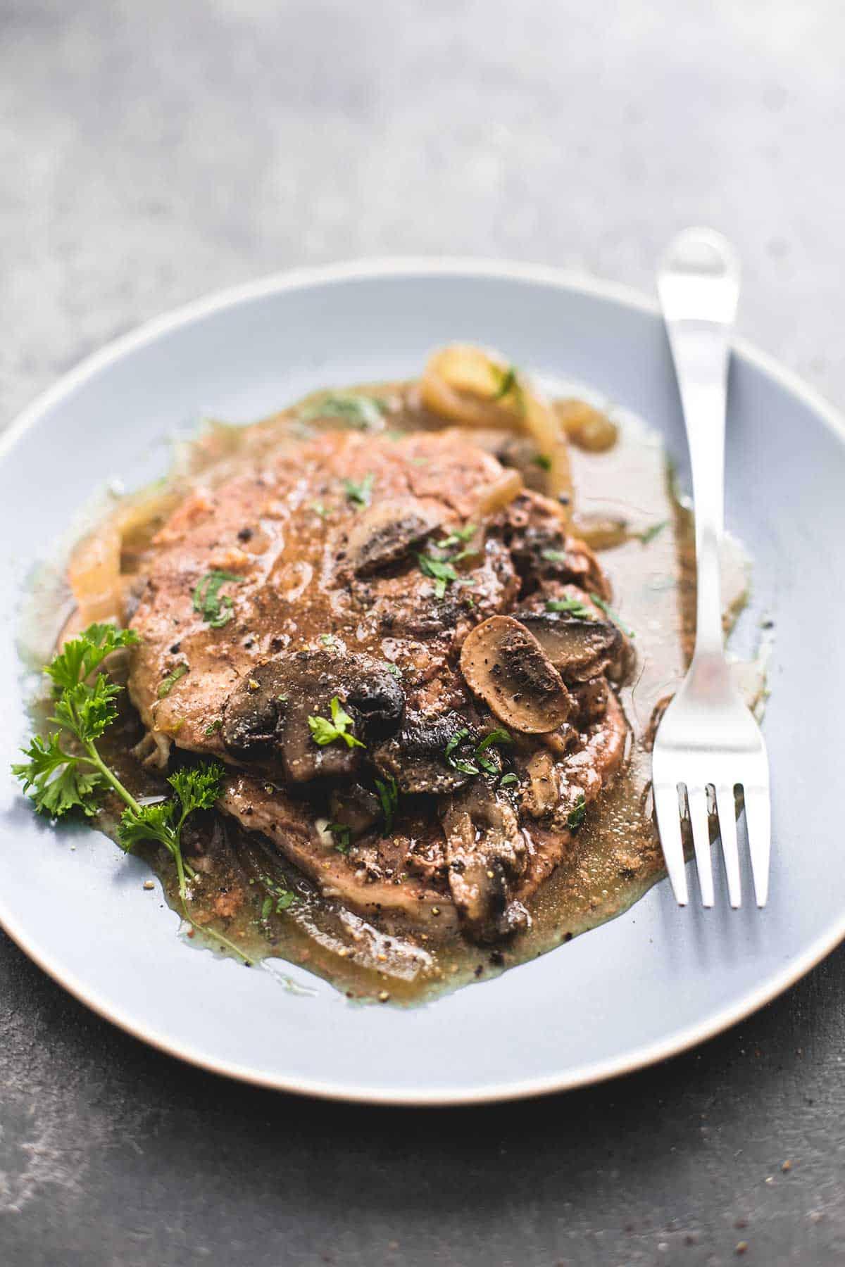Slow Cooker Swiss Steak | lecremedelacrumb.com