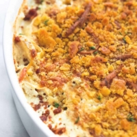 Cheddar Bacon Scalloped Potatoes | lecremedelacrumb.com