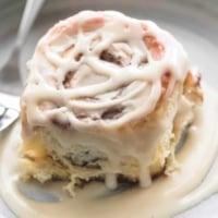 Cream Cheese Cinnamon Rolls | lecremedelacrumb.com