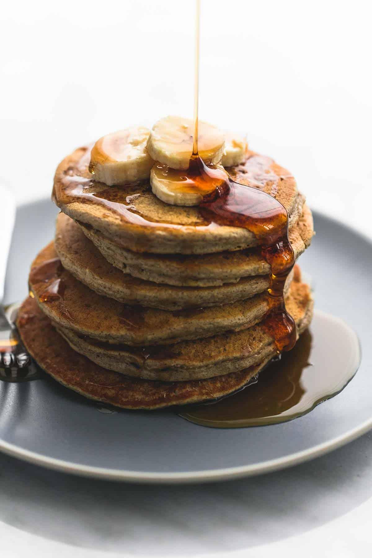 Easy Oatmeal Pancakes | lecremedelacrumb.com