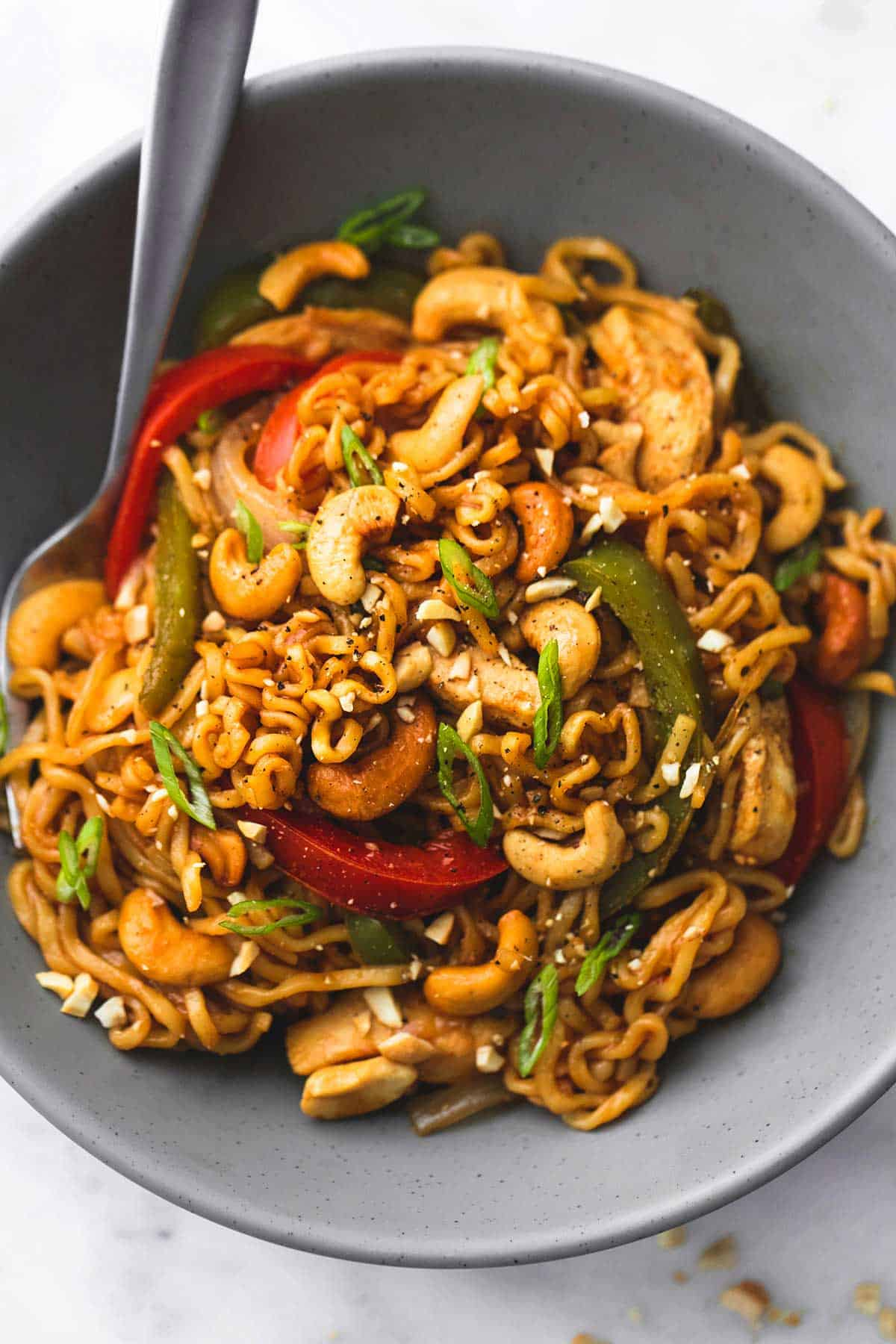 One Pot Cashew Chicken Ramen | lecremedelacrumb.com