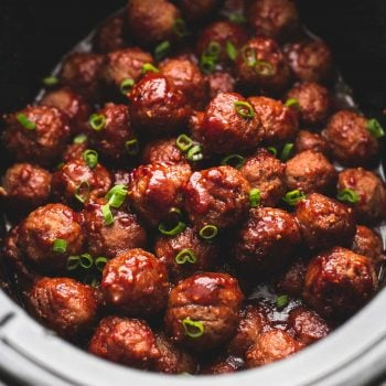 Slow Cooker 3 Ingredient Sweet 'n Spicy Party Meatballs | lecremedelacrumb.com