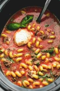Slow Cooker Lasagna Soup | lecremedelacrumb.com