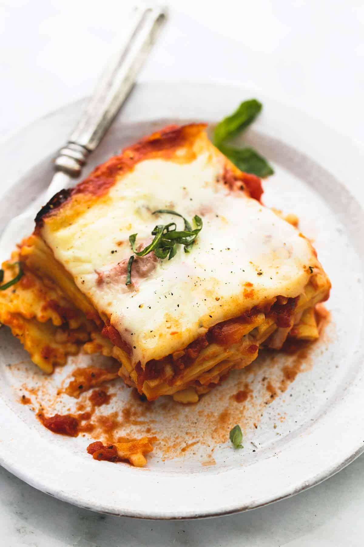 Slow Cooker Ravioli Lasagna | lecremedelacrumb.com