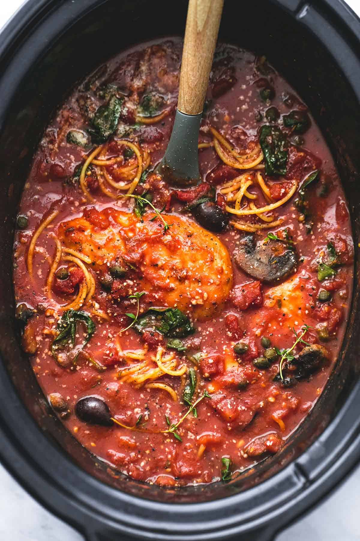 Healthy Slow Cooker Chicken Cacciatore | lecremedelacrumb.com