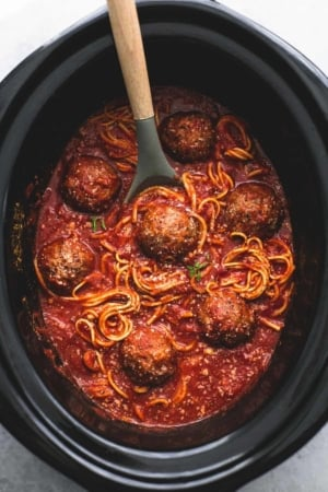 Slow Cooker Spaghetti and Meatballs | lecremedelacrumb.com