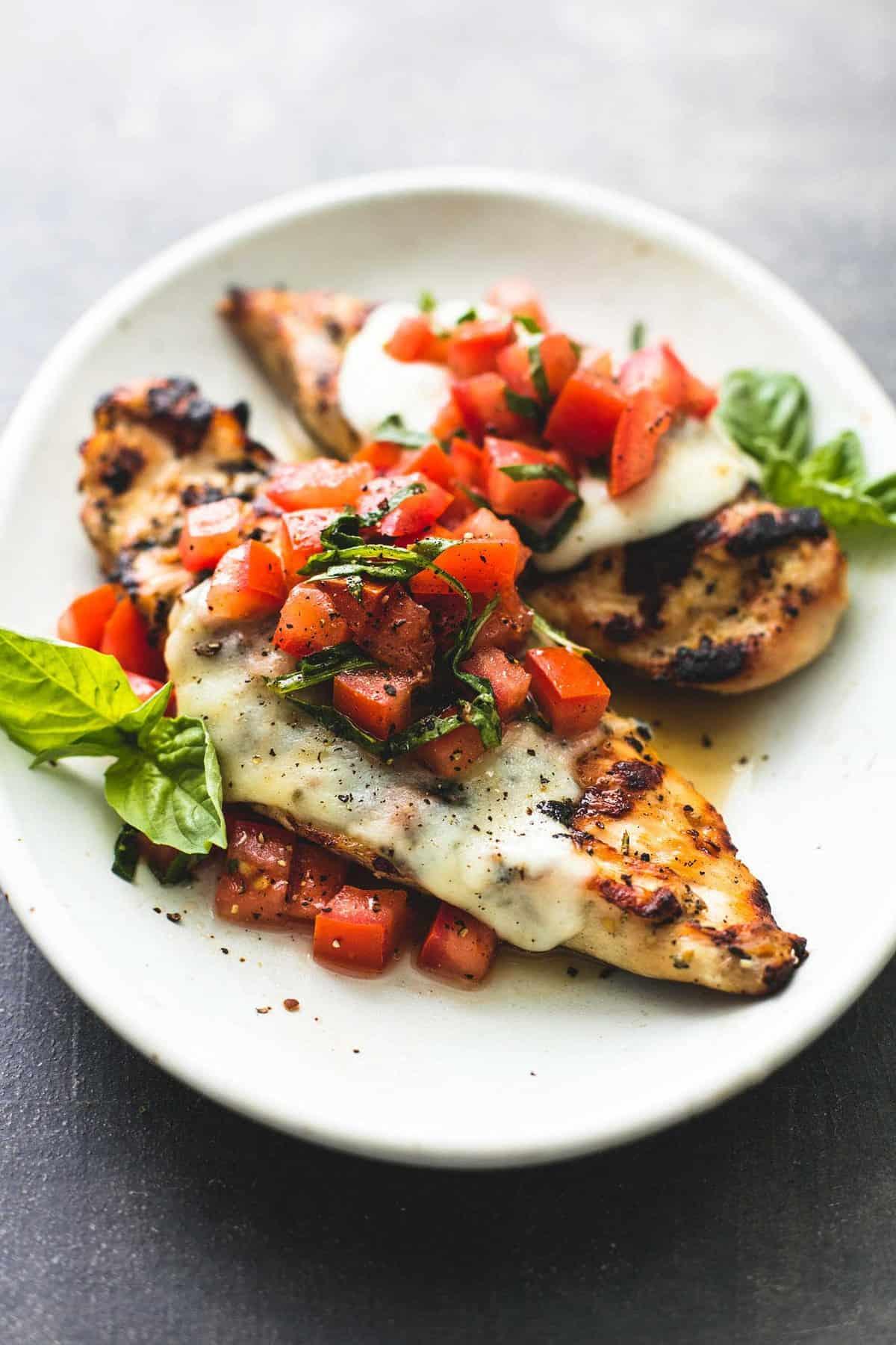 Grilled Bruschetta Chicken | lecremedelacrumb.com