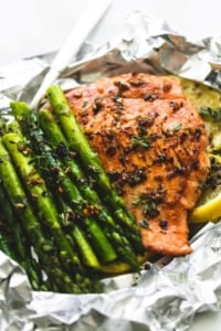 Herb Butter Salmon and Asparagus Foil Packs | lecremedelacrumb.com