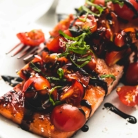 Honey Balsamic Bruschetta Salmon | lecremedelacrumb.com