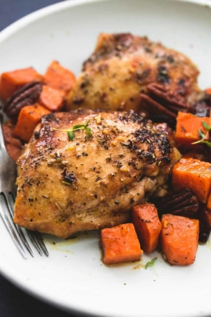 Honey Roasted Chicken and Sweet Potatoes Skillet | lecremedelacrumb.com