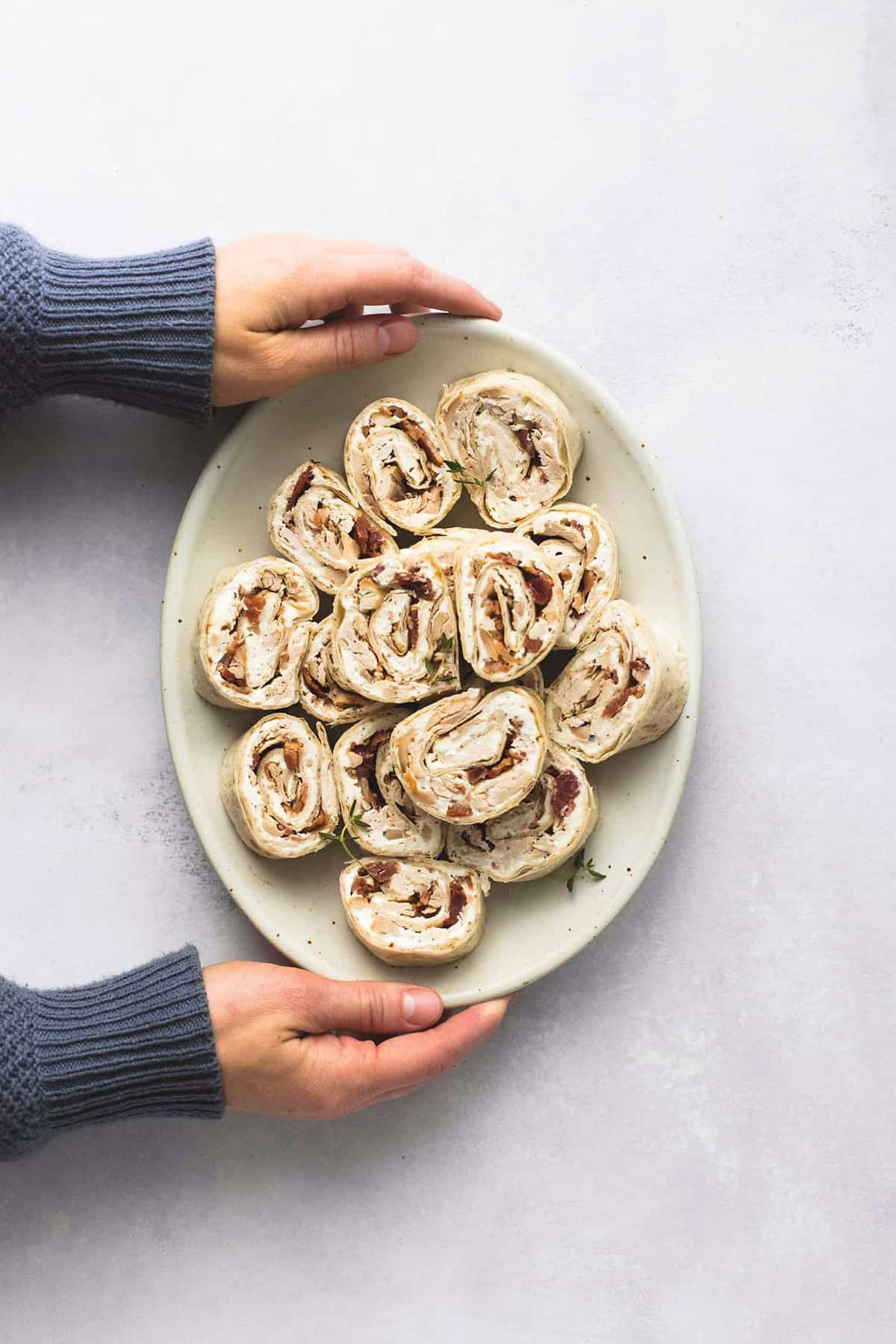Chicken Bacon Ranch Pinwheels | lecremedelacrumb.com