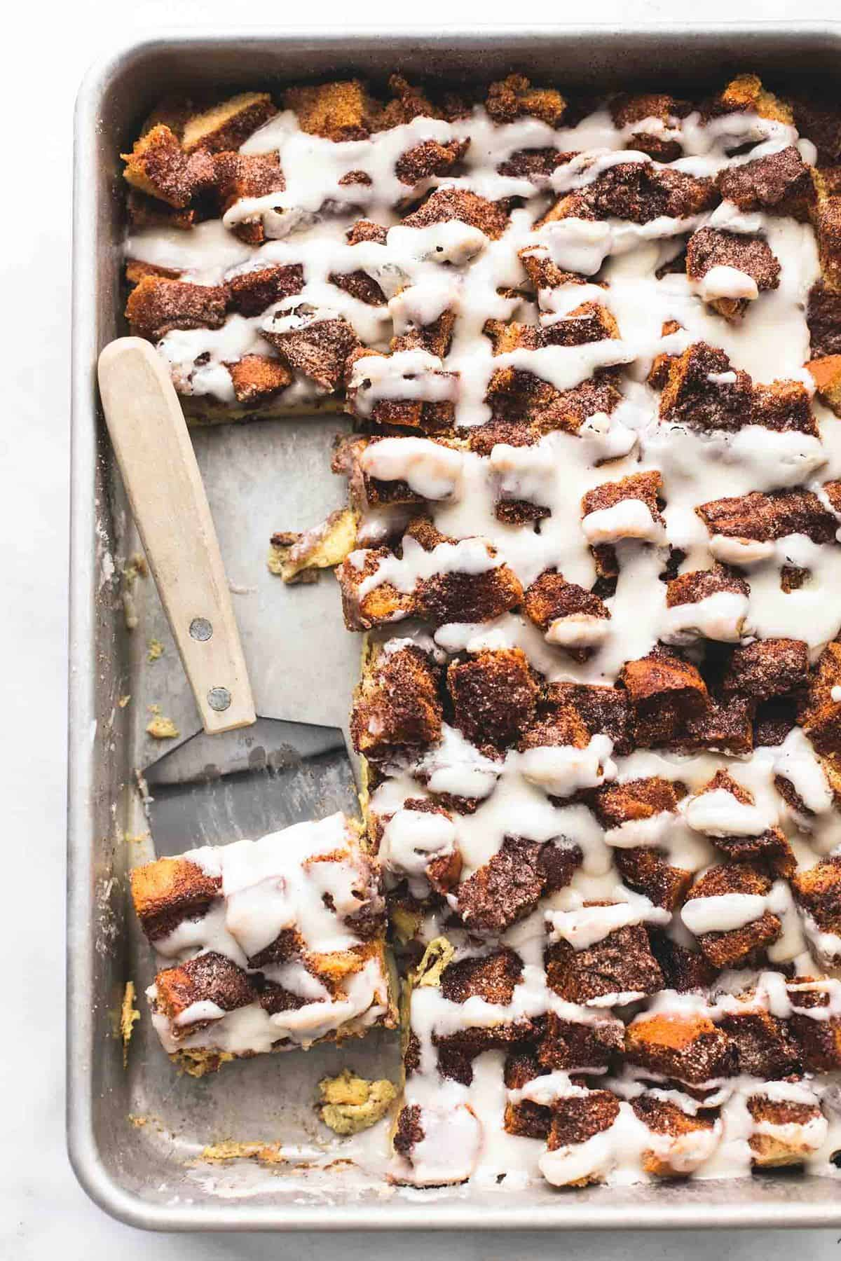 Overnight Cinnamon Roll French Toast Casserole | lecremedelacrumb.com