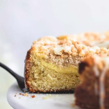 Cream Cheese Lemon Crumb Cake | lecremedelacrumb.com
