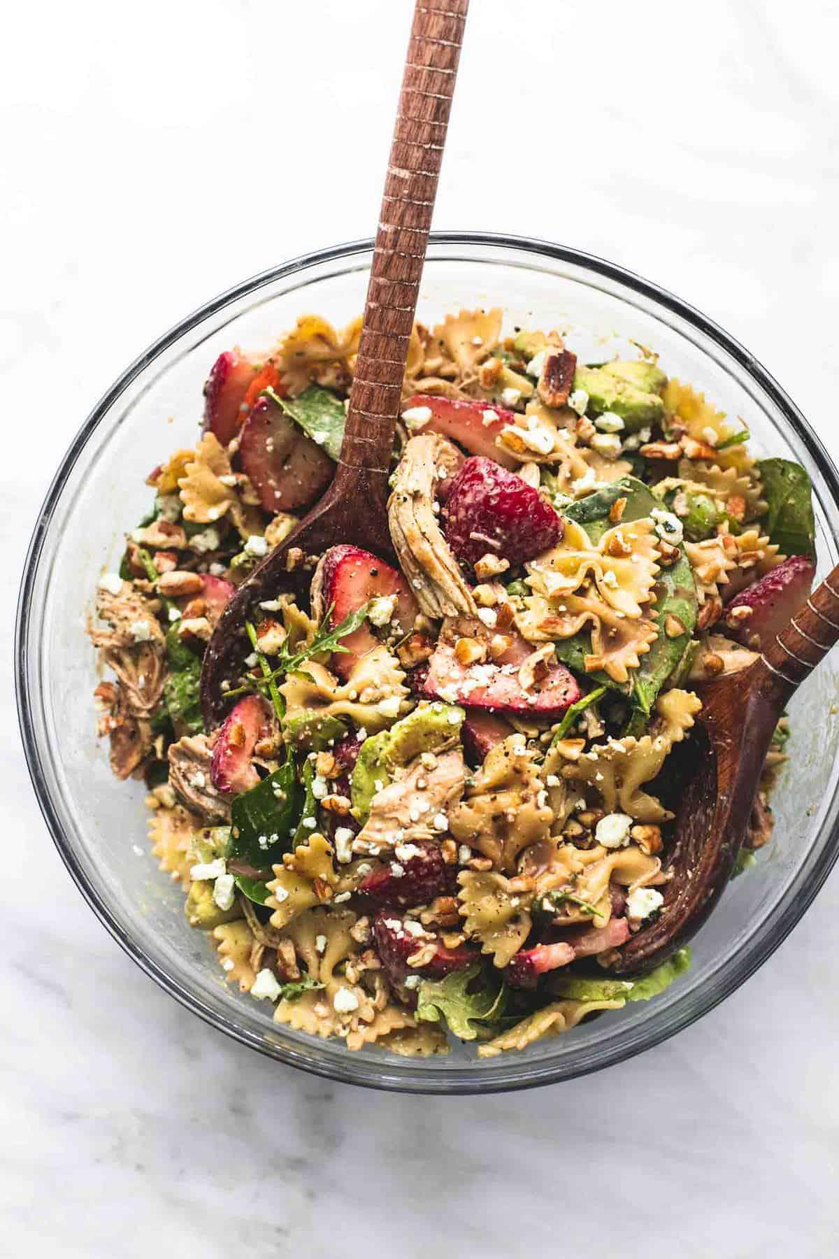 Strawberry Avocado Chicken Pasta Salad | lecremedelacrumb.com