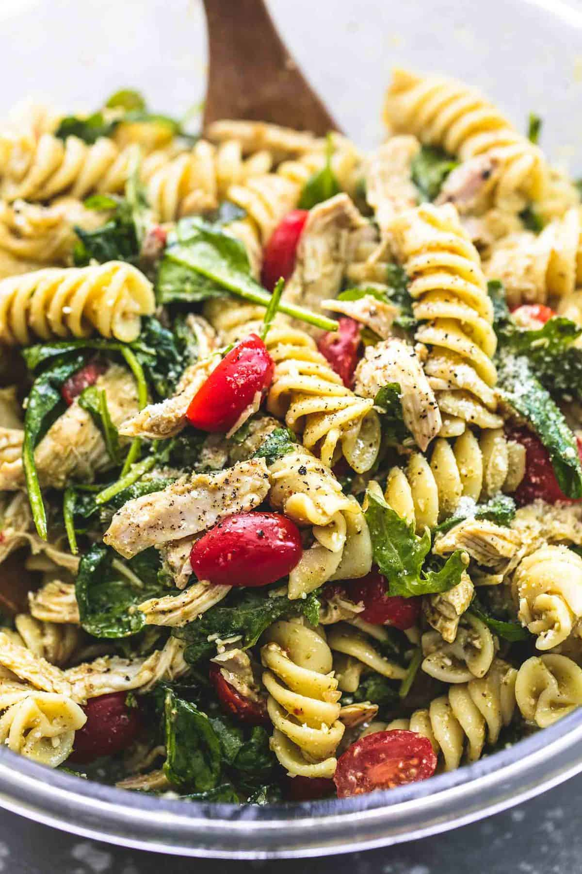 Pesto Chicken Pasta Salad | lecremedelacrumb.com