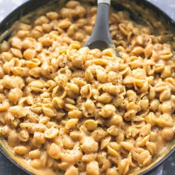 Easy Creamy Macaroni and Cheese | lecremedelacrumb.com