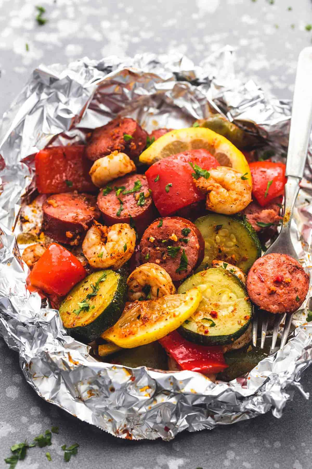 Shrimp Sausage and Veggie Foil Packs | lecremedelacrumb.com