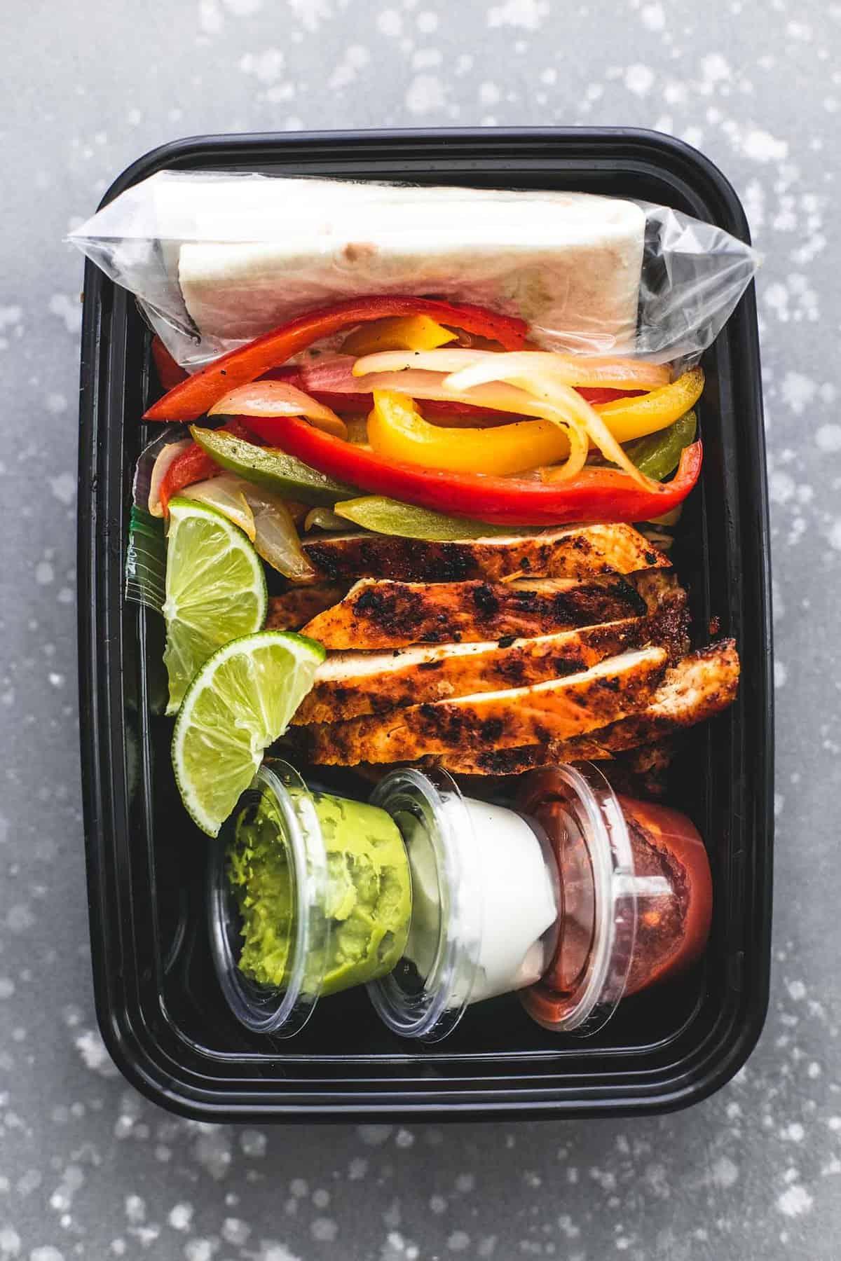 Easy Meal Prep Chicken Fajitas | lecremedelacrumb.com
