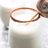 Cinnamon Bun Moon Milk | lecremedelacrumb.com