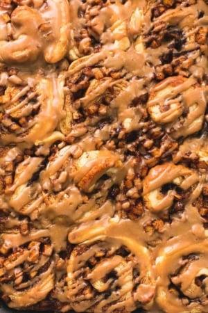Easy Apple Pie Cinnamon Rolls recipe | lecremedelacrumb.com