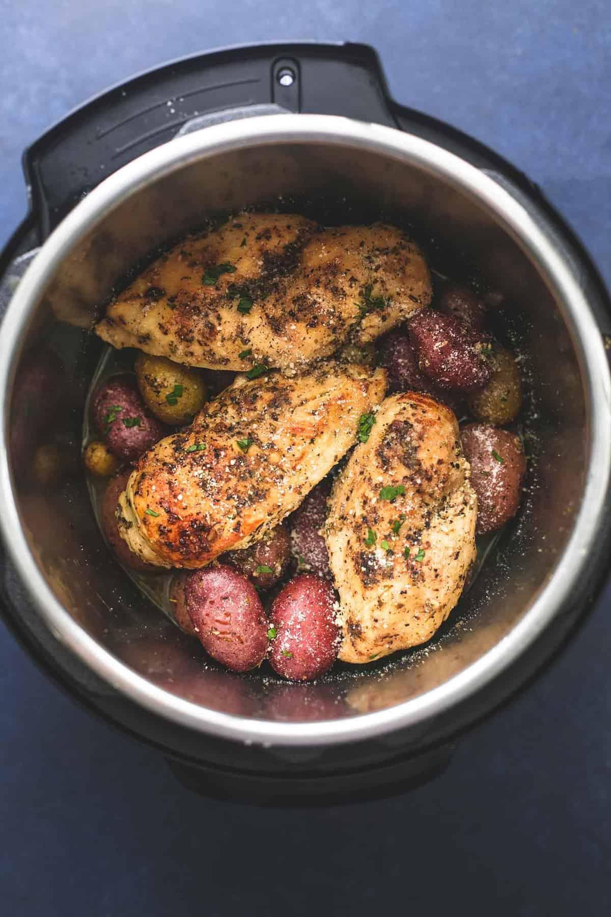 Best easy Instant Pot Chicken and Potatoes recipe | lecremedelacrumb.com