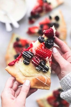 Mixed Berry Pizza with Vanilla Glaze   lecremedelacrumb.com