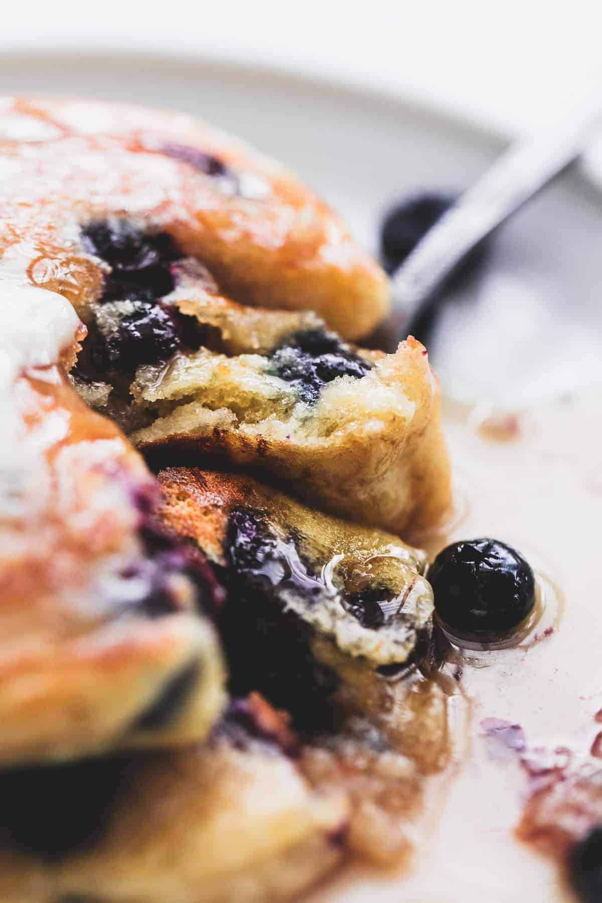 Easy Extra Super Fluffy Blueberry Pancakes Breakfast Brunch Recipe | lecremedelacrumb.com