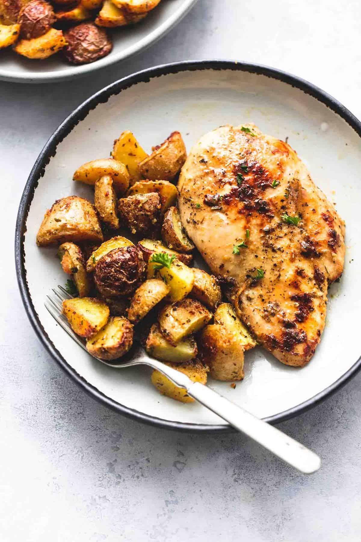 Easy Sheet Pan Chicken and Potatoes (Five Ingredients) Dinner Recipe   lecremedelacrumb.com