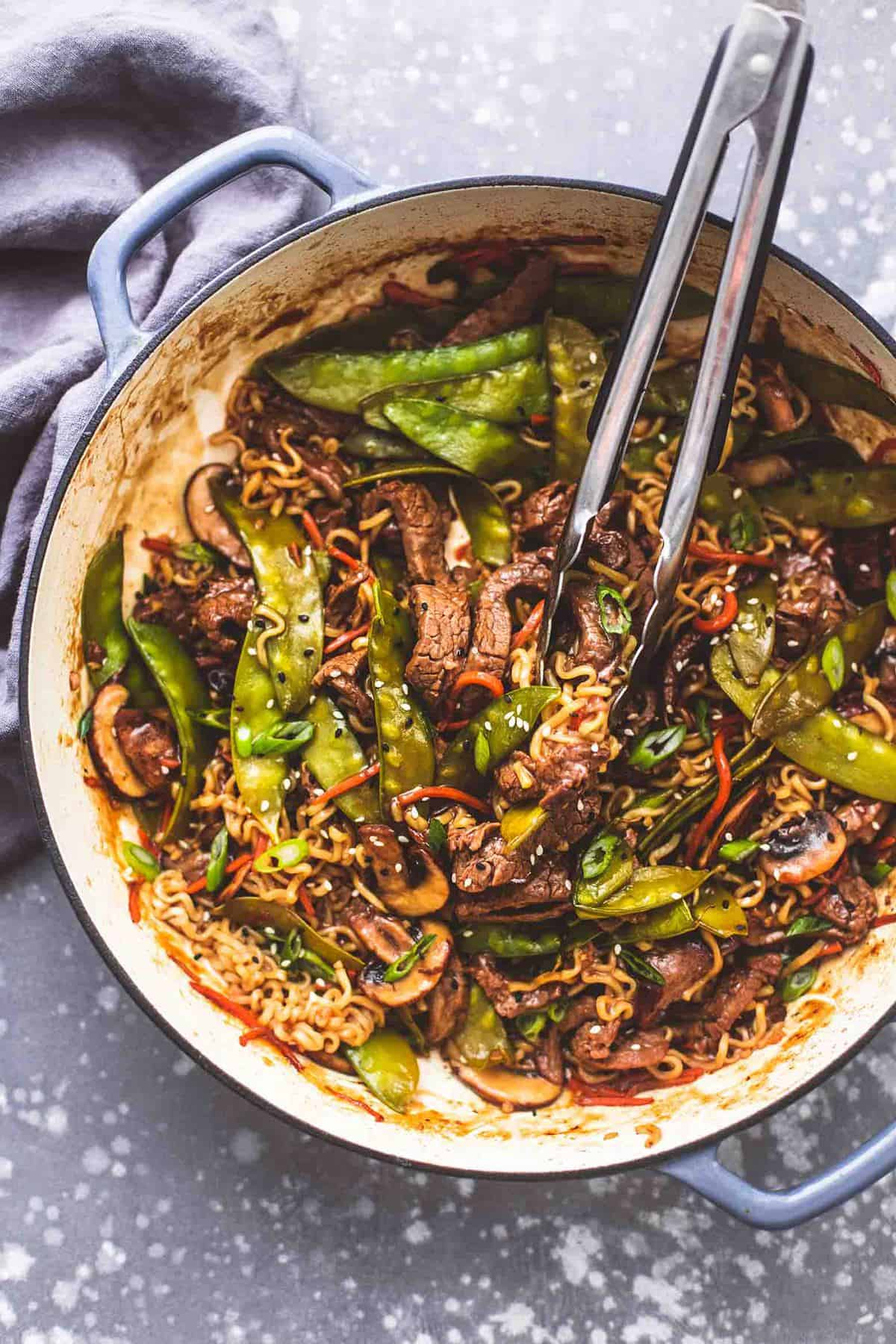 Quick and Easy Beef Noodle Stir Fry recipe | lecremedelacrumb.com