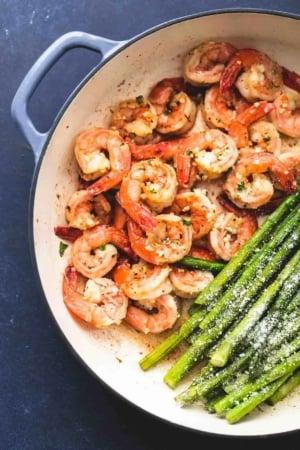 One Pan Shrimp and Asparagus easy healthy dinner recipe | lecremedelacrumb.com