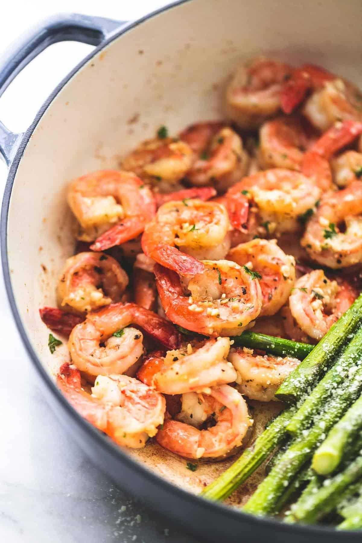 One Pan Shrimp and Asparagus easy healthy dinner recipe   lecremedelacrumb.com