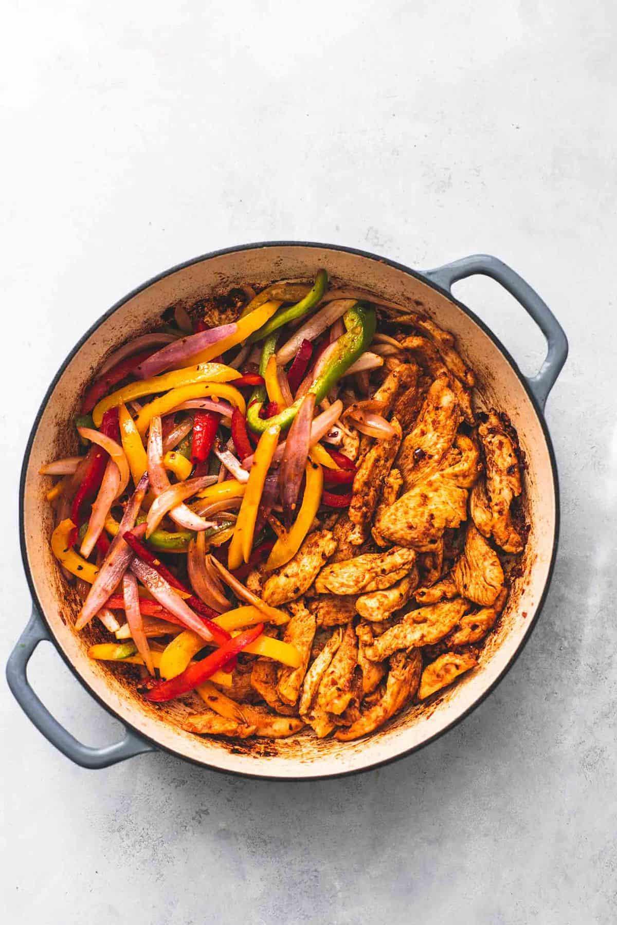 Easy Chicken Fajitas Skillet recipe | lecremedelacrumb.com