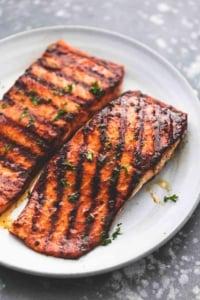 Cajun Honey Butter Grilled Salmon easy healthy dinner recipe | lecremedelacrumb.com