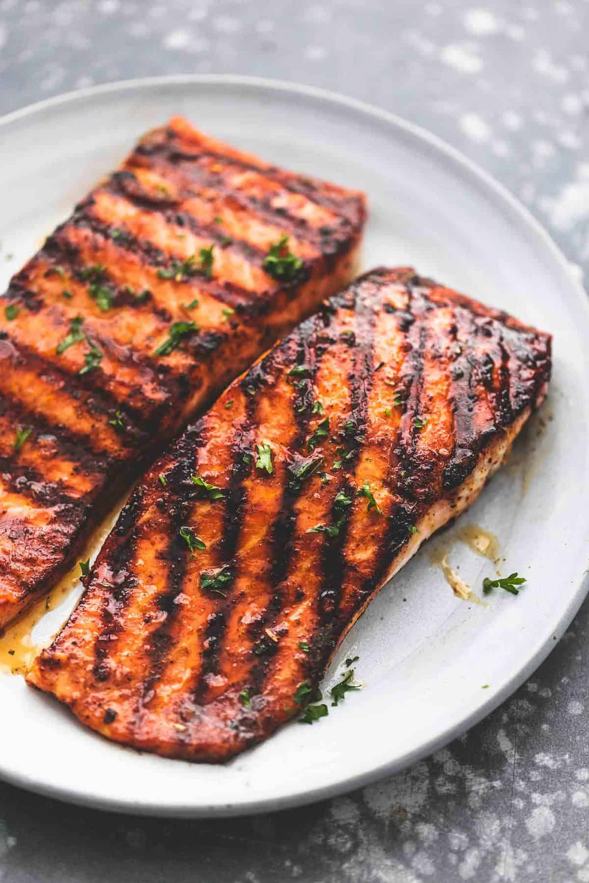 Cajun Honey Butter Grilled Salmon easy healthy dinner recipe | lecremedelacrumb.com