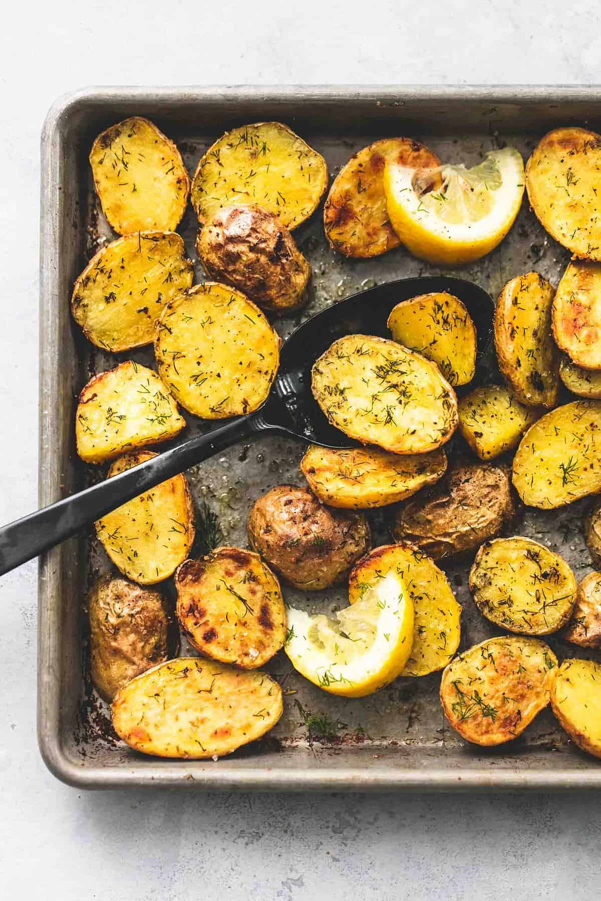 Oven Roasted Dill Potatoes easy side dish recipe | lecremedelacrumb.com